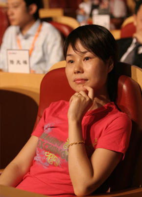 马云老婆张瑛:他能做很多帅男人做不了的事